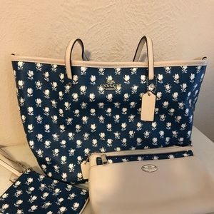 Coach Blue White Floral Zipper Tote Shoulder Bag